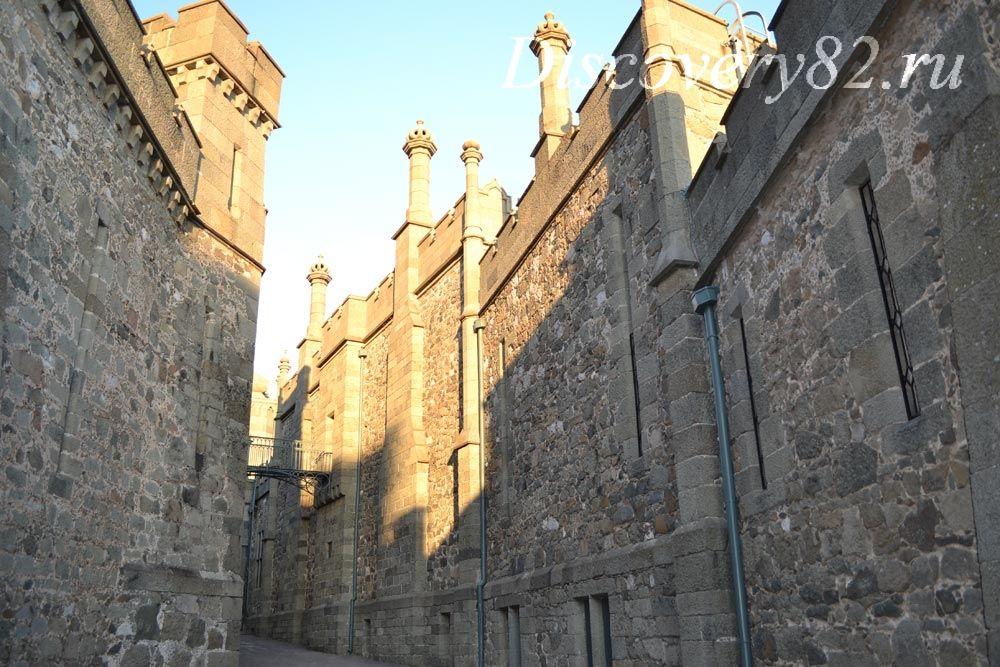 дворец в готическом стиле фото