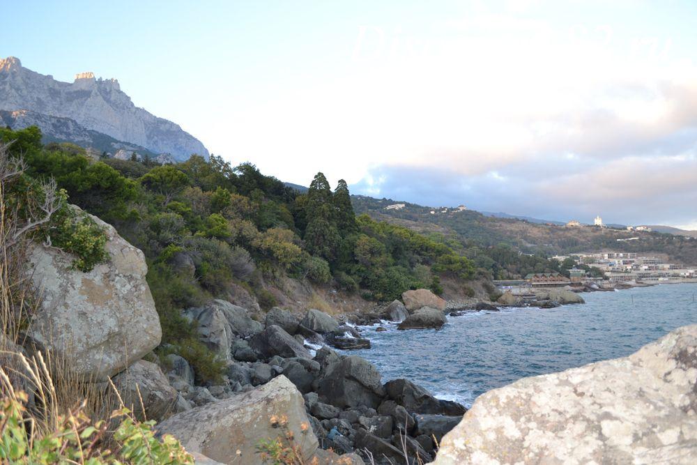 Вид на полуостров со скалы Айвазовского