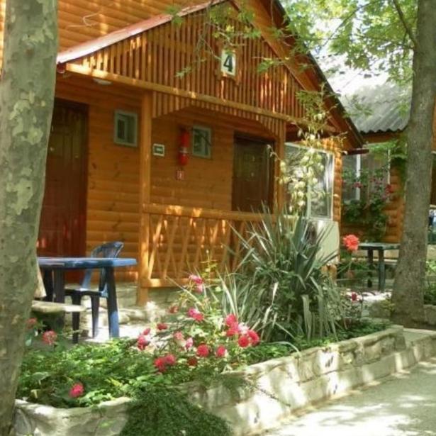 Отель-база отдыха Солнечное